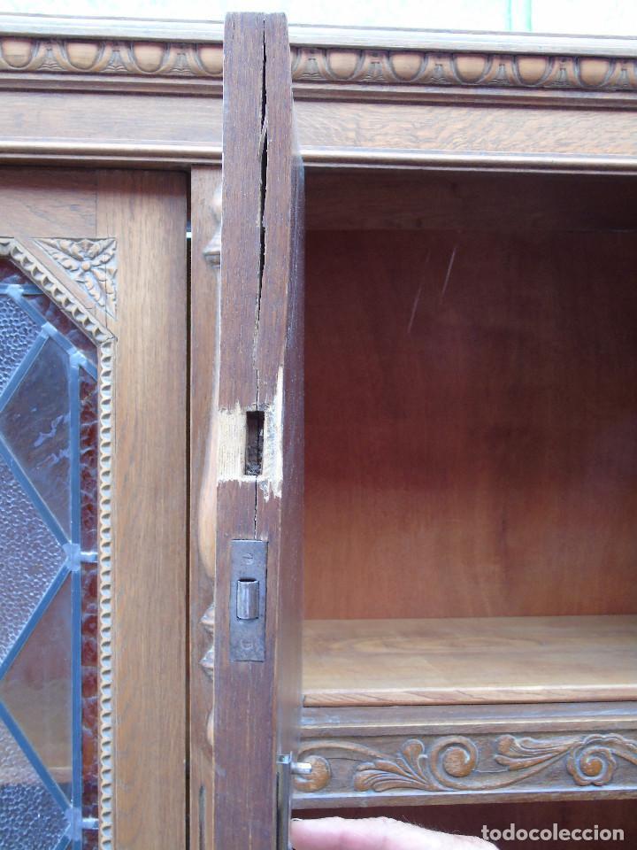Antigüedades: ANTIGUO ARMARIO DE MADERA PARA DESPACHO O BIBLIOTECA, CON CRISTALES EMPLOMADOS. - Foto 33 - 204147127
