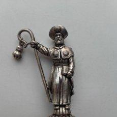 Antiguidades: FIGURA METALICA PEREGRINO SANTIAGO APOSTOL COMPOSTELA. Lote 204156211