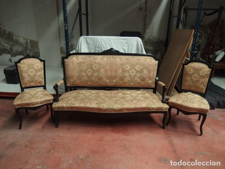SOFÁ Y DOS SILLAS (Antigüedades - Muebles Antiguos - Sofás Antiguos)