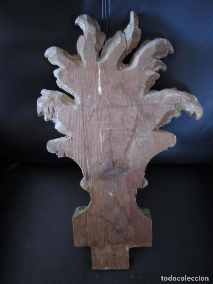 Antigüedades: ANTIGUO ADORNO TALLADO EN MADERA - Foto 2 - 204183678