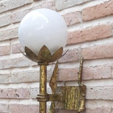 Antigüedades: APLIQUE DE PARED EN HIERRO FORJADO GRUESO.. Lote 204211950