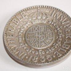 Antigüedades: PLATO CENICERO METALICO ESCUDO INSUPERABLE 1835, GONZALEZ BYASS. Lote 204223686