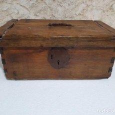 Antigüedades: ANTIGUA ARCA BAUL. Lote 204232010
