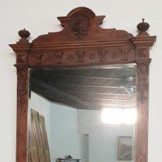 Antigüedades: GRAN ESPEJO ALFONSINO DE NOGAL. Lote 183071158