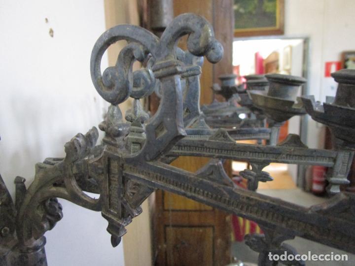 Antigüedades: Pareja de Candelabros para Piano - Apliques Neogóticos - Bronce Plateado - Finales S. XIX - Foto 11 - 204261128