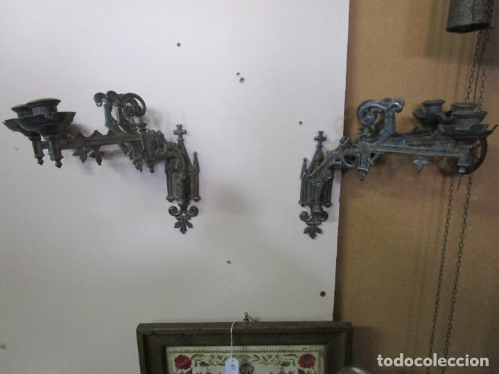 Antigüedades: Pareja de Candelabros para Piano - Apliques Neogóticos - Bronce Plateado - Finales S. XIX - Foto 12 - 204261128