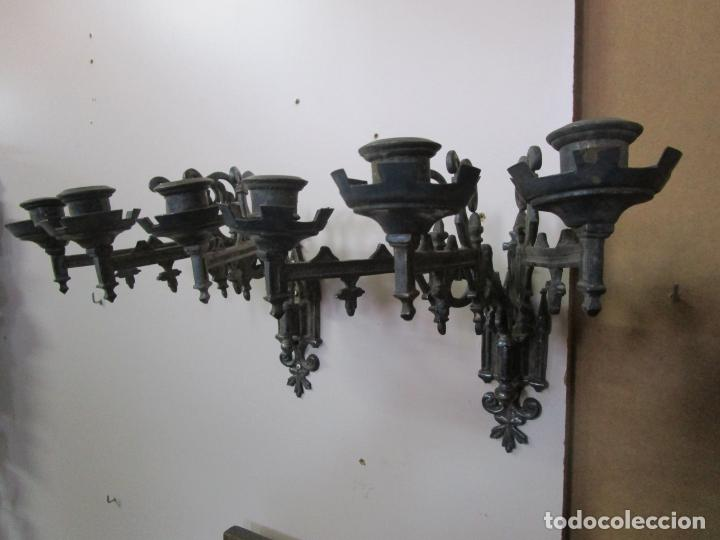 Antigüedades: Pareja de Candelabros para Piano - Apliques Neogóticos - Bronce Plateado - Finales S. XIX - Foto 16 - 204261128
