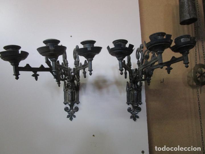Antigüedades: Pareja de Candelabros para Piano - Apliques Neogóticos - Bronce Plateado - Finales S. XIX - Foto 18 - 204261128