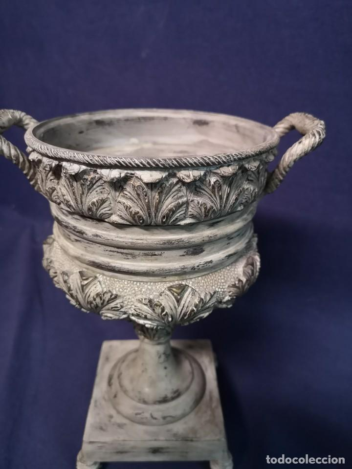 Antigüedades: PAREJA DE COPAS BRONCE PINTADAS - Foto 8 - 204408135