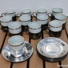 Antigüedades: 12 TAZAS DE CAFE ALPACA + 11 PLATITOS A JUEGO - INTERIOR VASITO DE CERAMICA CON BORDE PLATEADO. Lote 204456435