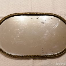 Antigüedades: ANTIGUA BANDEJA DE BRONCE CON ESPEJO. Lote 204470938