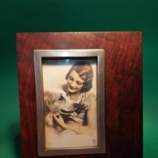 Oggetti Antichi: ANTIGUO PORTARRETRATOS ART DECO EN ROBLE PP.SG.XX.1930 VENTANA EN METAL. Lote 204513178