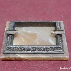 Antigüedades: CENICERO.. BASE MARMOL Y METAL REPUJADO.... Lote 204529448