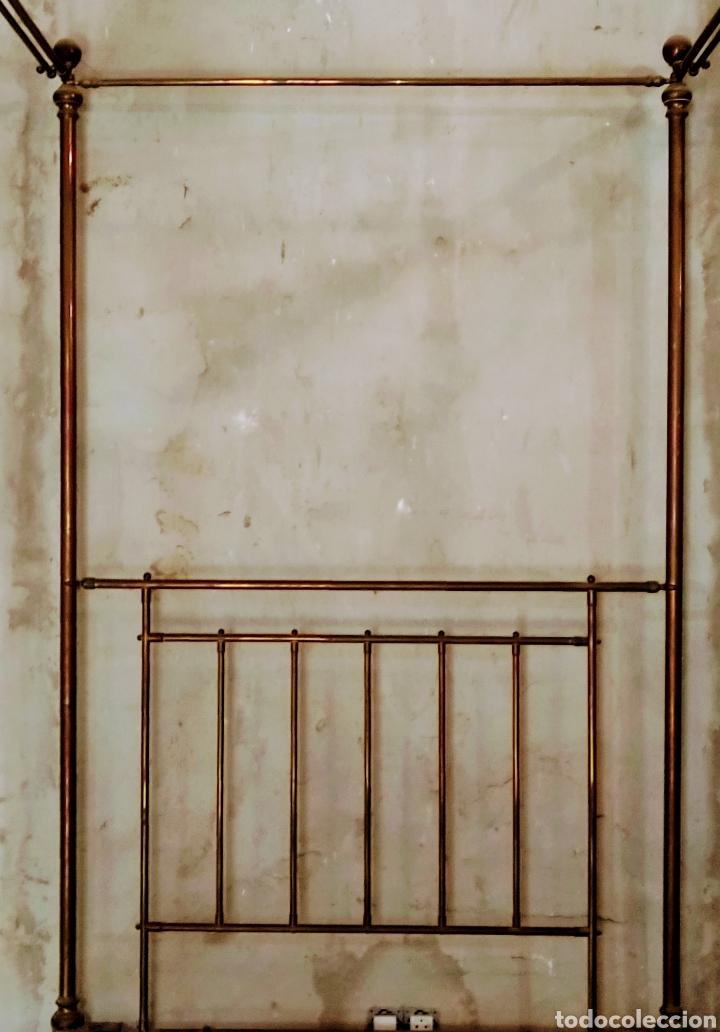 Antigüedades: Magnifica pareja de camas con dosel. Siglo XIX. - Foto 4 - 204625643