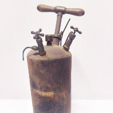 Antigüedades: BOMBA DE QUEROSENO PARA ALIMENTACION DE LAS INSTALACIONES DE LÁMPARAS. Lote 204636333