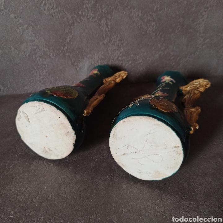 Antigüedades: Antigua Pareja de violeteros jarrones floreros de cerámica esmaltada Mayolica * Modernistas - Foto 4 - 196043696
