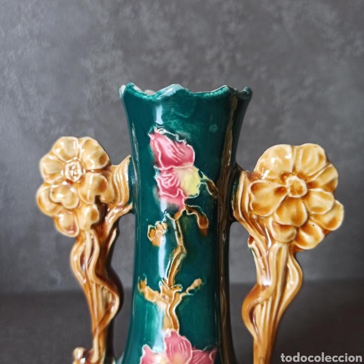 Antigüedades: Antigua Pareja de violeteros jarrones floreros de cerámica esmaltada Mayolica * Modernistas - Foto 5 - 196043696