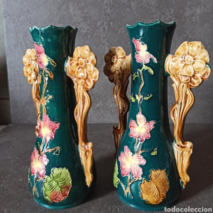 Antigüedades: Antigua Pareja de violeteros jarrones floreros de cerámica esmaltada Mayolica * Modernistas - Foto 6 - 196043696