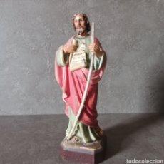 Antigüedades: SAN PABLO FIGURA DE ESTUCO CON BASE DE MADERA Y OJOS DE CRISTAL • OLOT • 24 CM. Lote 204643060