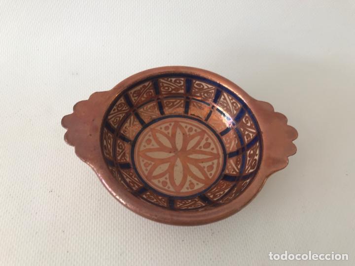 ESCUDELLA VALENCIANA DE CERÁMICA DE REFLEJO METÁLICO Y AZUL COBALTO. FÁBRICA LA CERAMO. AÑOS 20 (Antigüedades - Porcelanas y Cerámicas - Otras)