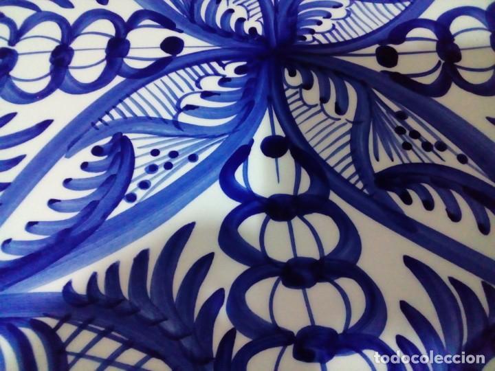 Antigüedades: plato de ceramica pintado a mano - Foto 4 - 204700827