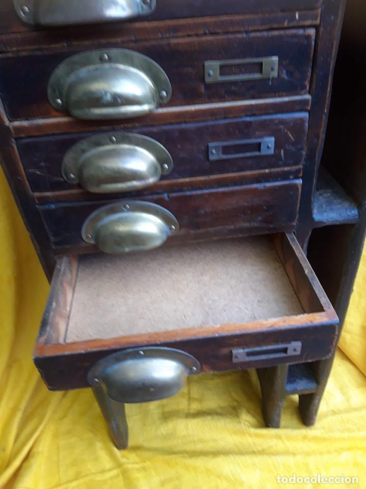 Antigüedades: Mueble con cajones para restaurar, quizás para sellos, hacia 1930 - Foto 3 - 204724618