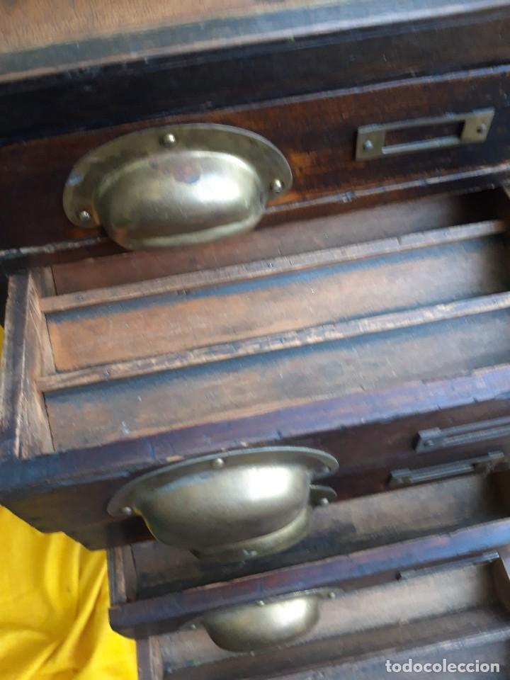 Antigüedades: Mueble con cajones para restaurar, quizás para sellos, hacia 1930 - Foto 8 - 204724618