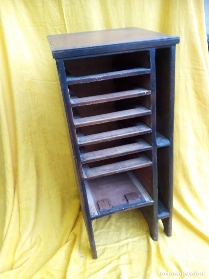 Antigüedades: Mueble con cajones para restaurar, quizás para sellos, hacia 1930 - Foto 11 - 204724618