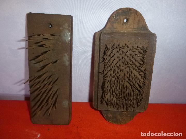 Antigüedades: CEPILLOS CON PUAS PARA CABALLOS - Foto 2 - 204764598