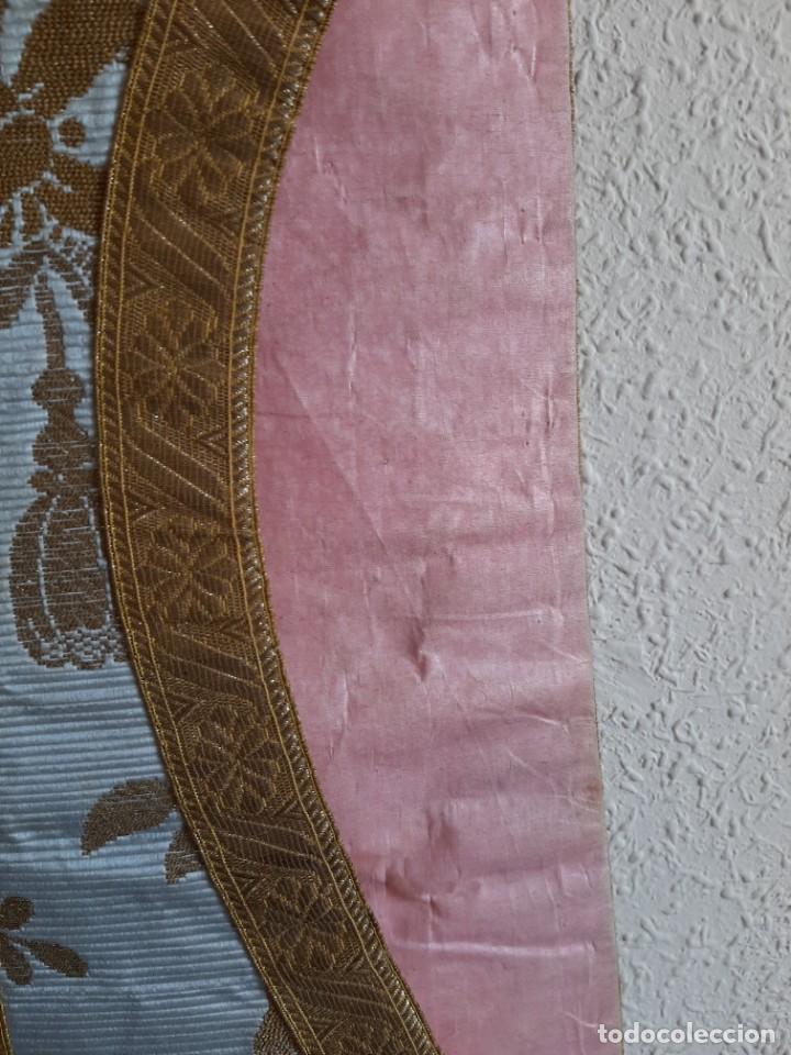 Antigüedades: CASULLA BORDADA - ESTOLA, MANÍPULO, CÍNGULO Y SOBRECUELLO - SEDA - HILO DE ORO Y PLATA - S.XIX - Foto 11 - 204777243