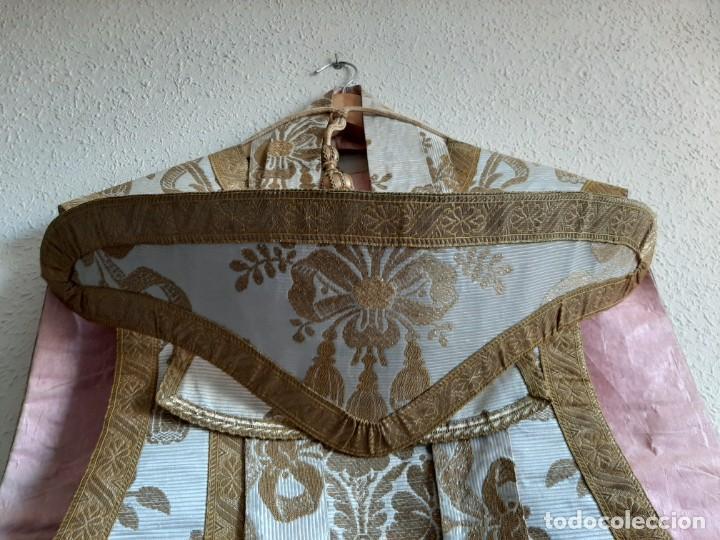 Antigüedades: CASULLA BORDADA - ESTOLA, MANÍPULO, CÍNGULO Y SOBRECUELLO - SEDA - HILO DE ORO Y PLATA - S.XIX - Foto 24 - 204777243