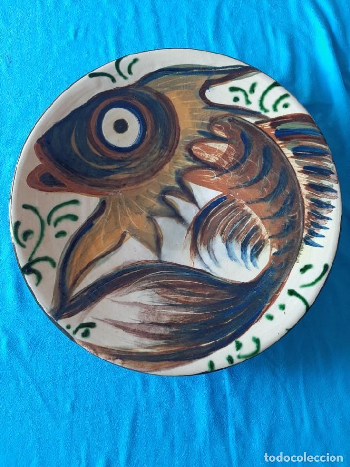 PUIGDEMONT PLATO GRANDE PEZ DE 35 CM DIAMETRO (Antigüedades - Porcelanas y Cerámicas - La Bisbal)
