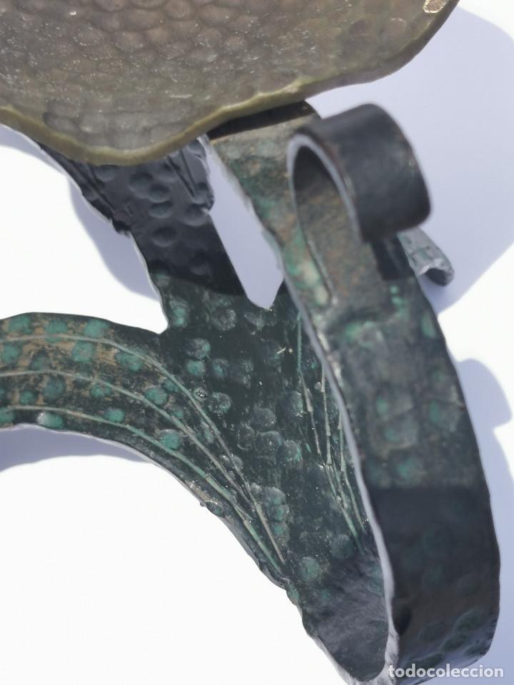 Antigüedades: ANTIGUO PORTAVELAS - BRONCE - MUY ELABORADO - PALMATORIA - CANDELABRO - GRAN TAMAÑO - Foto 6 - 204996933