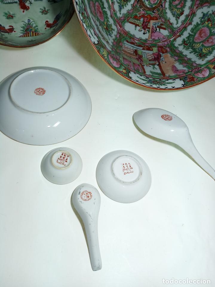 Antigüedades: Gran conjunto de porcelana china de cantón. Gran fuente, cuenco, platos, cuchara. - Foto 7 - 205001190