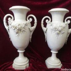 Antigüedades: PAREJA JARRONES PORCELANA ALGORA. Lote 205004555