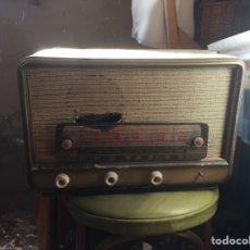 Antigüedades: RADIO AÑOS 60/70. Lote 205030821