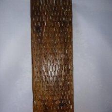 Antigüedades: TABLA DE TRILLO CON PIEDRAS CANTALEJO EN MADERA DE PINO. Lote 205034106