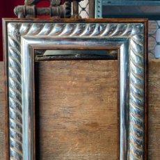Antigüedades: MARCO DE FOTOS EN PLATA DE LEY CON MARCAJES - PORTAFOTOS. Lote 205039201