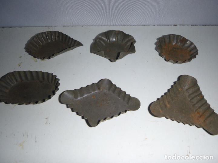 LOTE REPOSTERIA 6 MOLDES HOJALATA (Antigüedades - Técnicas - Rústicas - Utensilios del Hogar)
