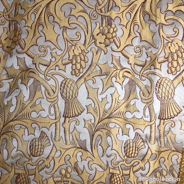 Antigüedades: Dalmatica de brocado de seda con galón bordado en oro - Foto 2 - 205076823