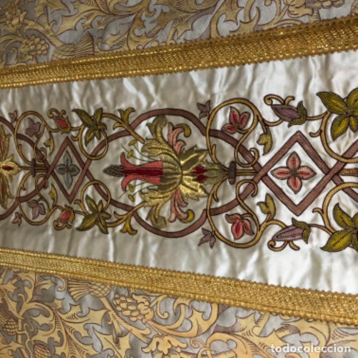 Antigüedades: Dalmatica de brocado de seda con galón bordado en oro - Foto 4 - 205076823