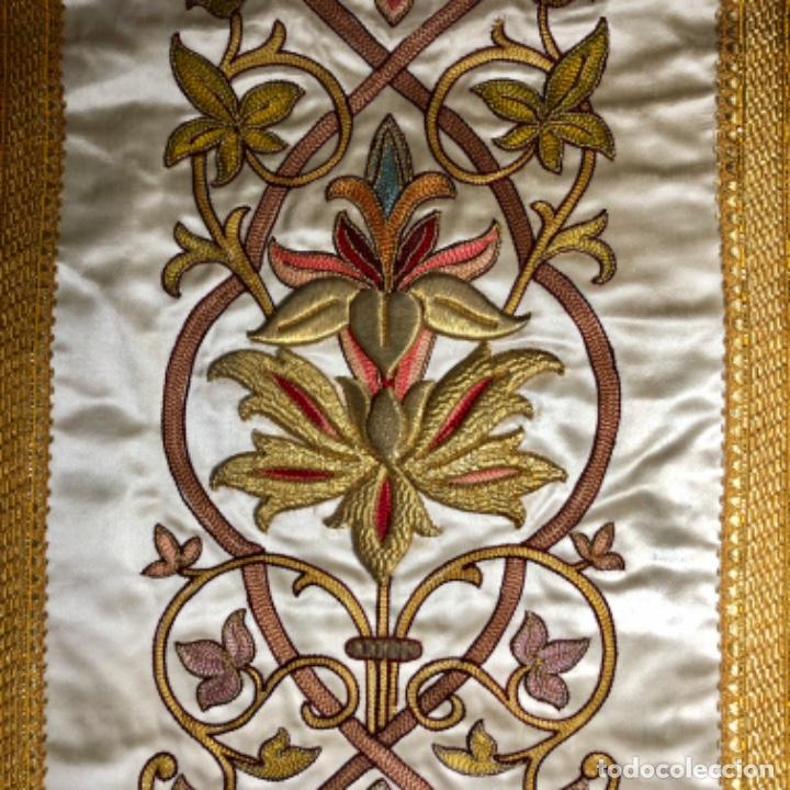 Antigüedades: Dalmatica de brocado de seda con galón bordado en oro - Foto 6 - 205076823