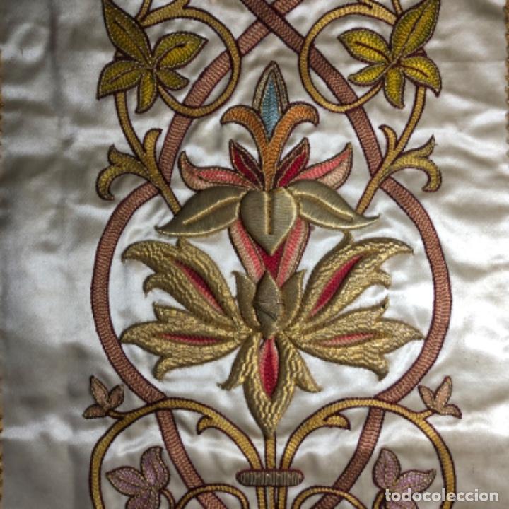 Antigüedades: Dalmatica de brocado de seda con galón bordado en oro - Foto 7 - 205076823