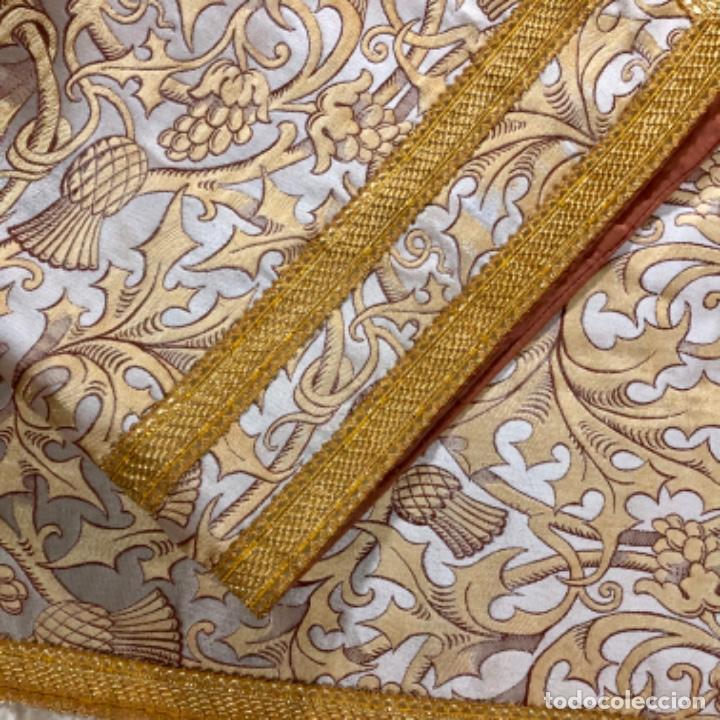 Antigüedades: Dalmatica de brocado de seda con galón bordado en oro - Foto 9 - 205076823