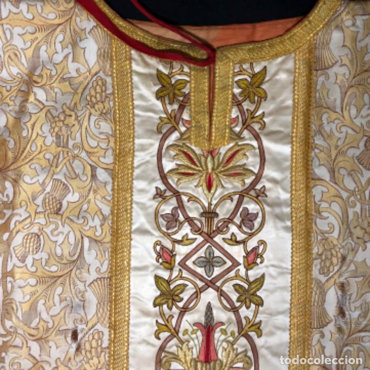 Antigüedades: Dalmatica de brocado de seda con galón bordado en oro - Foto 10 - 205076823