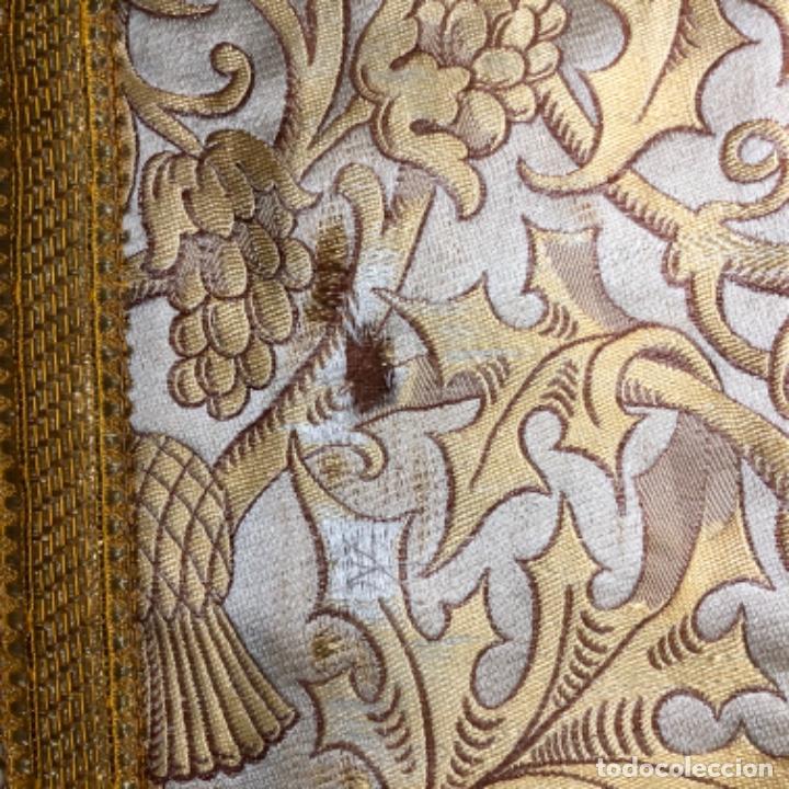 Antigüedades: Dalmatica de brocado de seda con galón bordado en oro - Foto 11 - 205076823
