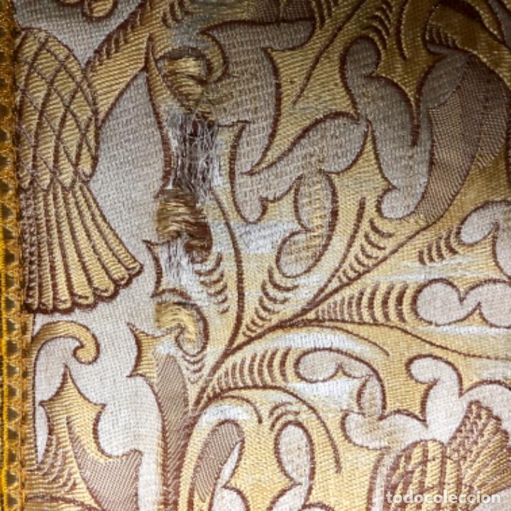Antigüedades: Dalmatica de brocado de seda con galón bordado en oro - Foto 12 - 205076823