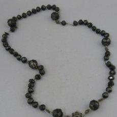 Antigüedades: ROSARIO EN PLATA CON CUENTAS DE AZABACHE CON MEDALLA SAN JOSÉ Y EL NIÑO SIGLO XVIII. Lote 205116473