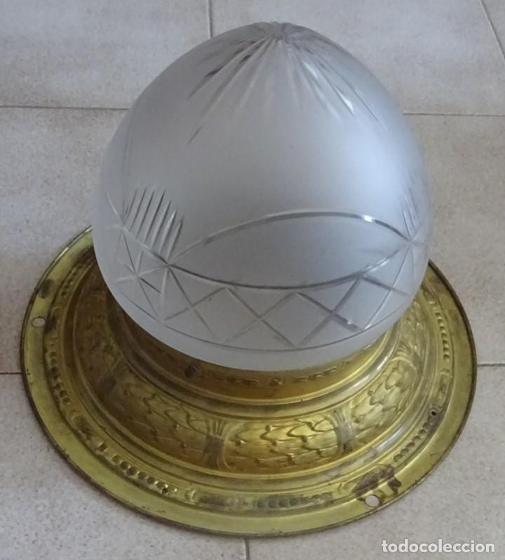 Antigüedades: LAMPARA PLAFON MODERNISTA DE TECHO EN LATON Y CRISTAL - Foto 4 - 205122560