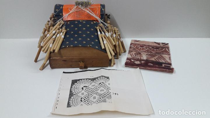 Antigüedades: ANTIGUO BOLILLERO / MUNDILLO - BOLILLOS INCLUIDOS - Foto 23 - 205175971